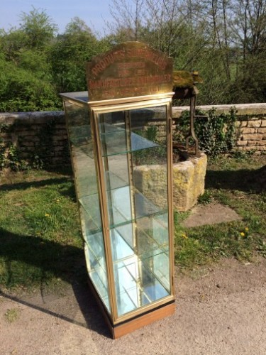 Ancienne vitrine de tabac