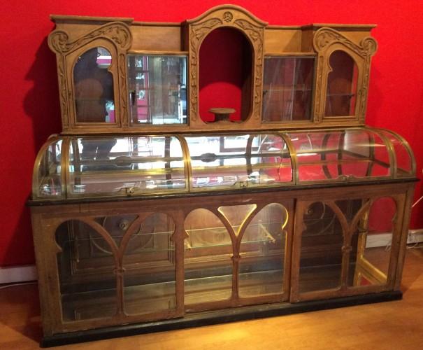 Ancienne vitrine de magasin«art nouveau»