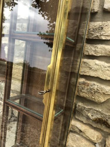 Ancienne vitrine de collectionneur.