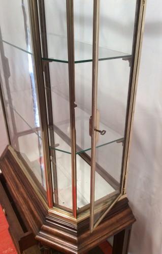 Ancienne vitrine.(réservée)