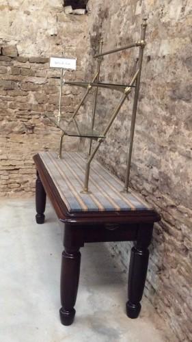 Ancien meuble présentoir de magasin.
