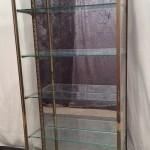 Ancienne vitrine de magasin verticale
