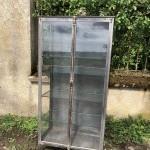 Ancienne vitrine médicale.