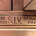 Vitrine ancienne de magasin.(réservée)