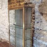 Ancienne vitrine de tabac.
